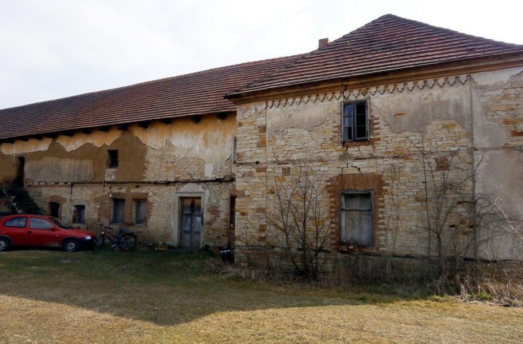 Prodej, dům 380 m2 se st.pozemkem 3002 m2, Křivenice