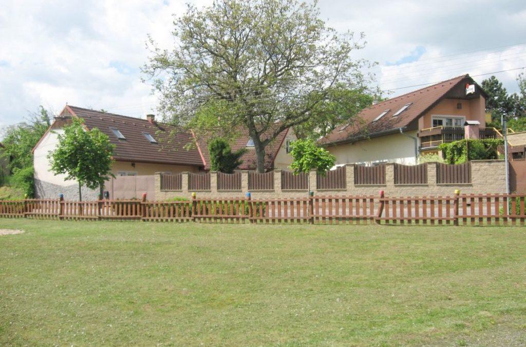 Prodej, RD 8 + 1 a dům na podnikání, Tismice